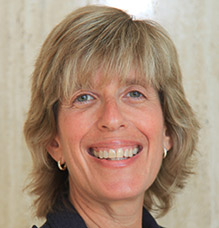 Headshot of Leslie Wachtel